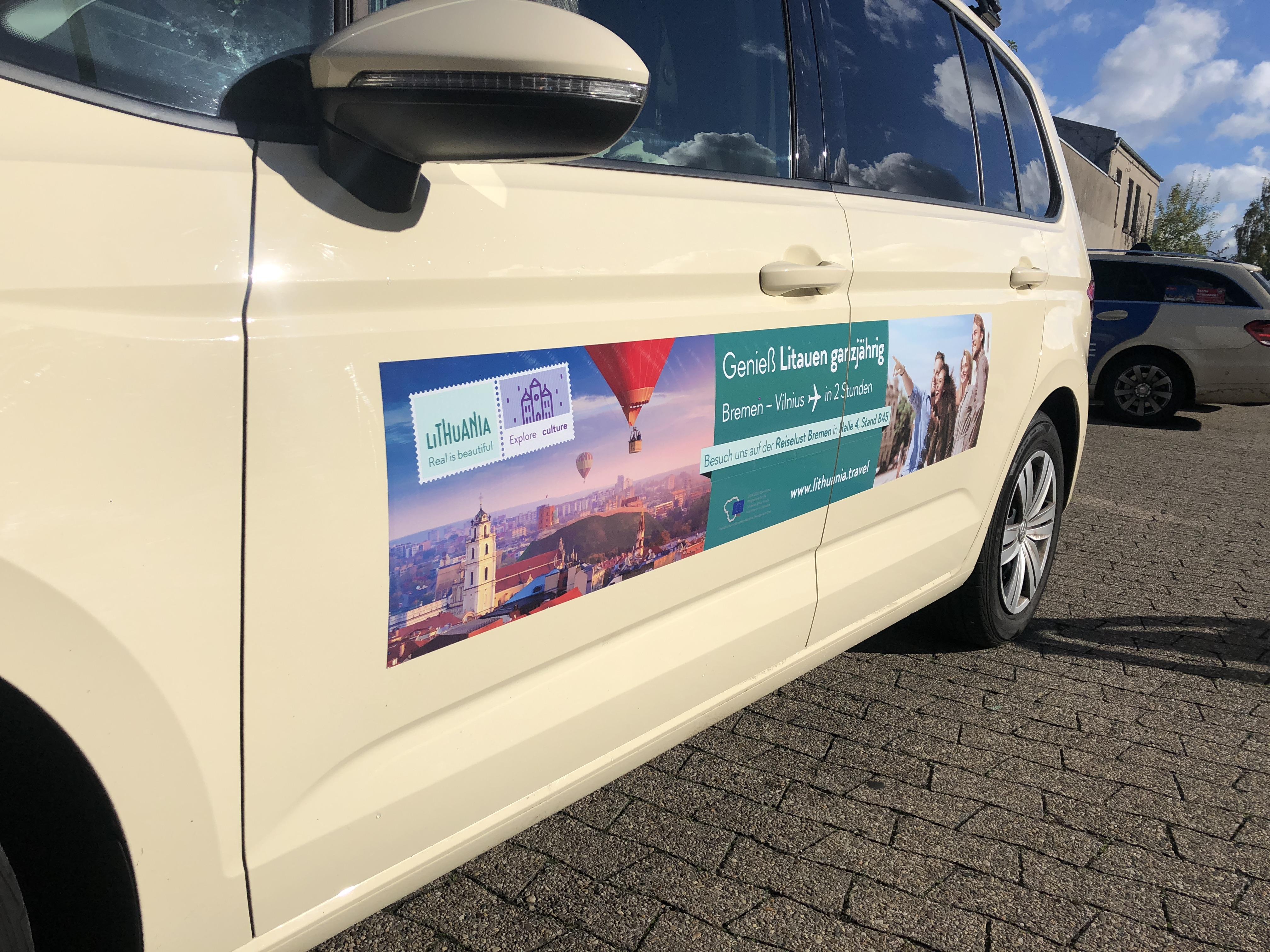 Neįprasti Lietuvos turizmo kurjeriai Vokietijoje – taksi automobiliai