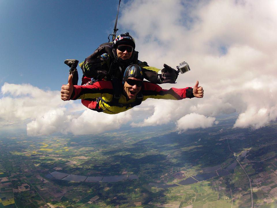 Pramoginis šuolis parašiutu